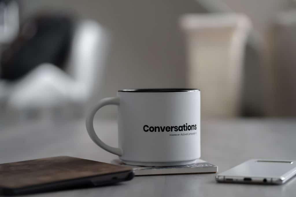 Tasse mit Aufdruck Conversations